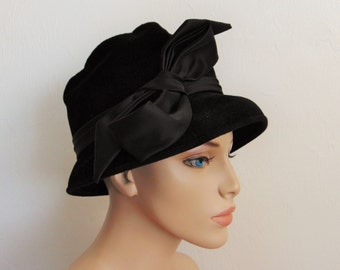 50s black velour HAT with large satin bow size 23