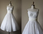 50s Dress - Vintage 1950s Dress - Pure White Eyelet Cotton Strapless Shelf Bust Sundress XS S - Snowdrift Dress