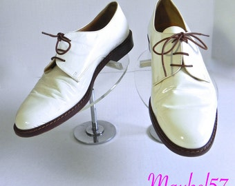 Vintage Womens Shoes 50s style Cream White Patent Oxfords US 7.5 - on sale