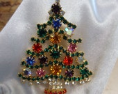 Cheerfully Colored Rhinestone Christmas Tree Brooch
