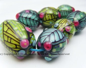 Moogin Beads- Detailed natural forms round , lampwork / glass bead set   - SRA