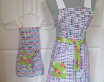 Mom and Me Apron Set - Chevron and Flowers