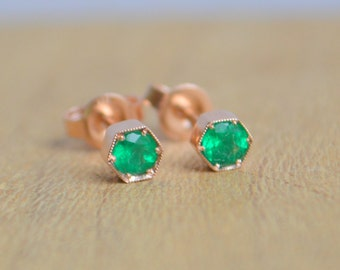 Hexagon Stud Earrings in 14 K Rose Gold with Colombian Emerald