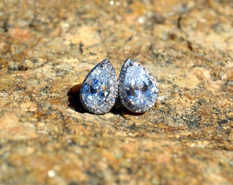 White crystal cubic zirconia earrings, wedding jewelry bridal cluster cz post earrings, cubic zirconia stud earrings CZ bridesmaid gifts