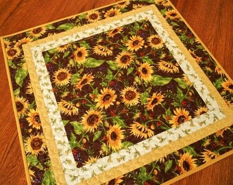 Sunflower Table Topper, Quilted Square Table Topper with Golden Yellow Sunflowers, Quilted Table Mat, Quilted Tablecloth, Quiltsy Handmade