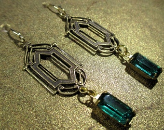 Emerald Green Vintage Glass Art Deco Earrings - Dangle - Downton Abbey Inspired