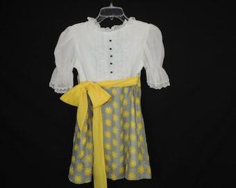 girl's vintage dress, 60s daisy mod, flower child dress, girls hippie dress, 7/8