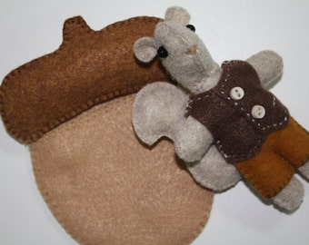 Pouch Pet Squirrel - PDF Pattern - Miniature pet with clothes and sleepy bed