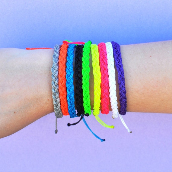 braided string bracelets - photo #1