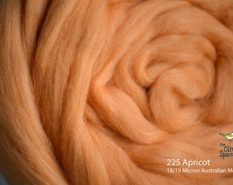 18 Micron Wool Roving - 50 grams (1.75 oz) - 225 Apricot
