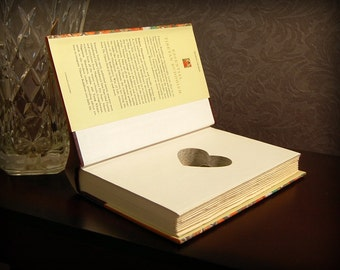 Hollow Book Safe with Heart (Essential Tibetan Buddhism)