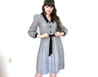 ON SALE Peter Pan Collar Dress / 1980s Secretary Dress