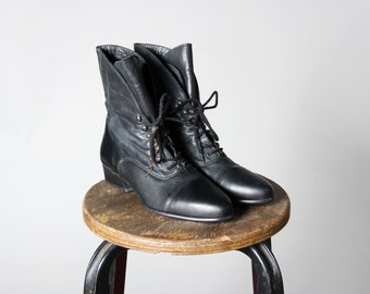 Vintage Black Leather Lace Up Boots- Heeled Ankle Boot 1980s Heel Lace Grunge Punk- Size 7 1/2 M