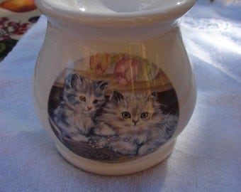 Kittens and Yarn in the Jewelry Box Tea Light Tart Melter
