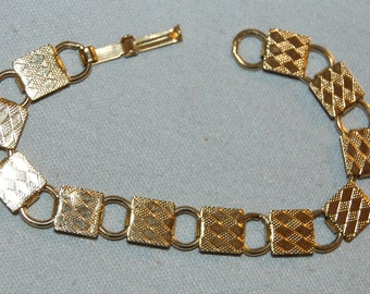 Vintage / Textured / Pattern / Gold Tone / Bracelet / old jewelry jewellery