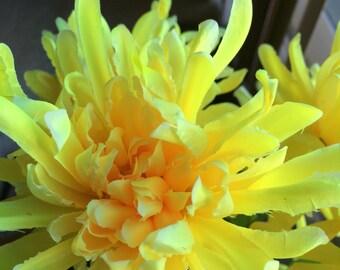 Flower Pen Set 24 Mums Chrysanthemums Light Yellow Wedding Favors Reception Pens Guest Book Pens Party Favors Bridal Shower