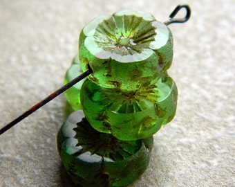 Fresh Green Pansy Table Cut Flower Beads, Large glass flower coin beads, Fresh Green with rustic  Picasso 14mm  (6pcs) NEW
