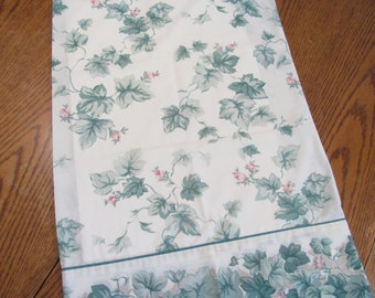 Vintage Pillowcase w/ Ivy & Pink Flower Buds - Standard Size - No Iron Blend - Great Condition