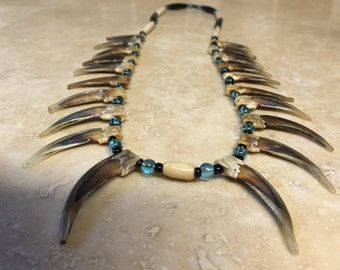 Native American Made Badger Claw Necklace 20 claws