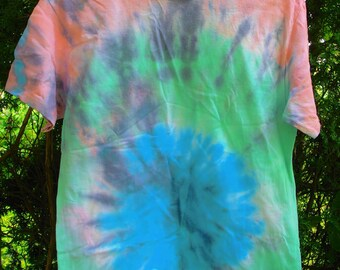 Faded Bull's Eye Adult Tye Dye Shirt Size Meduim