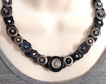 Urban Medusa button necklace