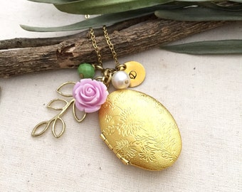 Oval Locket Necklace, Locket, Initial Necklace, Best friend Gift, Mother Necklace, Gift Ideas, Handmade Necklace, Bridesmaid Gift