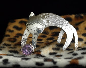 Playful Cat gemstone brooch / pin