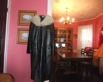 Ladies 1970's Leather Coat with Fox  Collar