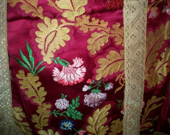 Fantastic french silk priest's VESTMENT 1700s