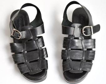 50% OFF SALE / SALE / Vintage 1990s strappy black leather sandals / 6
