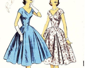 ON SALE Vintage 1950s Dress Sewing Pattern by SUZY Perette - Advance 7945 - Misses' Fit and Flare Swing Dress with Inverted Pleates- Sz 12/B