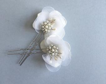 Kumudini - White Bridal Hair Pins, Flower Pins, Summer wedding, Fall wedding