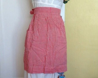 Vintage hostess apron Chicken Scratch Gingham Red White Check