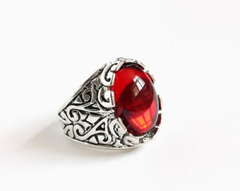 Hook's Red Stone Ring (Oval)