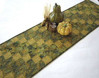 Quilted Table Runner, Fall Table Runner, Handmade Tablerunner, Patchwork Table Runner, Green Table Runner, Pieced Table Runner, Home Decor