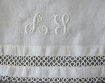 Vintage Guest towel, fingertip,  monogrammed, tatted, AL, A L, A S