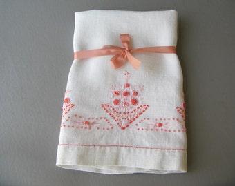 Vintage Guest Towel Embroidered,flower, floral, tea towel, dish towel, peach, coral