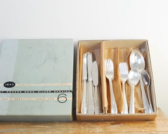 Vintage 6 Place Setting 1847 Rogers Bros Springtime Pattern 29 Piece Silver Plate Gift Service for Six Flatware Set Original Box