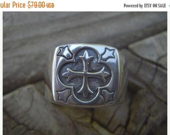 ON SALE Medieval ring with the trinity cross
