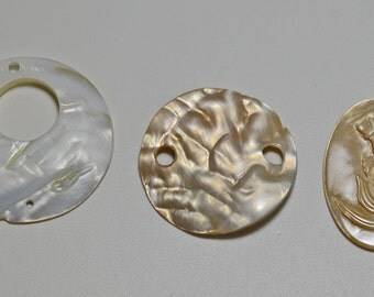 Mother of pearl shell pendants, please read description for quantities available - #2108