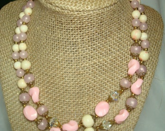 1960s Pink and White Beaded Necklace with Crystal Beads.