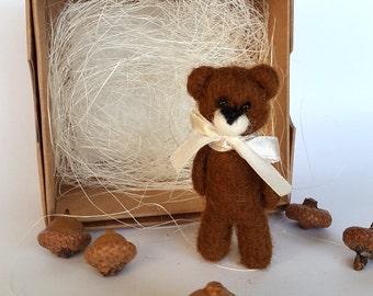Bear jewelry/Needle felted Bear Brooch