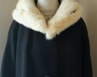 Vintage 1950s Coat of the Night