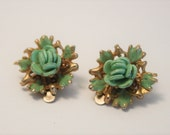 Vintage green flower earrings.  Clip on earrings