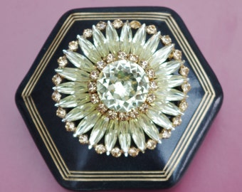 Wow - What a Beauty - Fabulous yellow Crystal daisy flower Brooch - c1950s