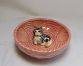 Tabby Cat Ring Holder - Trinket Bowl with Cat - Candy Dish - Pink Bowl - Carved Pottery - Wheel Thrown Pottery - Gray and White Cat Dish