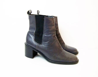 Size 6.5 Gray Leather ANKLE BOOTS Vintage Low Heeled Booties Shoes Narrow
