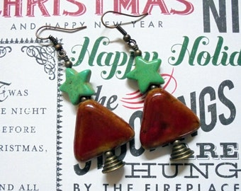 Red and Green Christmas Tree Earrings (2413)