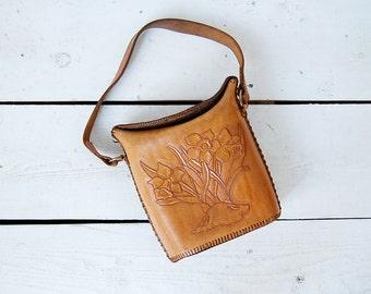 vintage 1970s purse / tooled leather bag / 70s leather bag / Dandelion purse