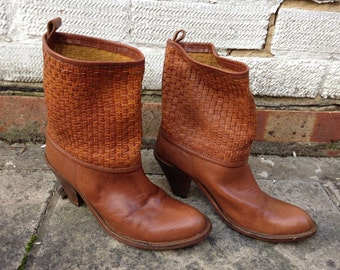 Amazing Vintagete 70's leather half boots with hand weaved leather uppers Size 37 European